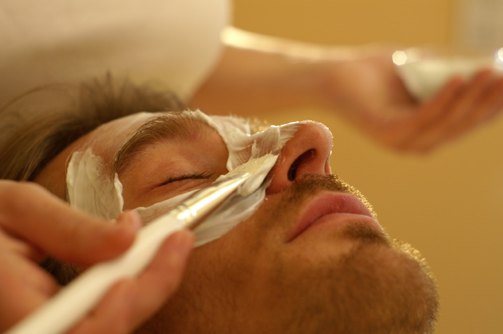 Elemis Skin IQ for Men Facial